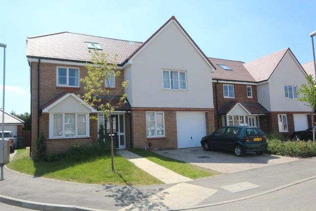 Thumbnail Flat to rent in Miley Close, Harpenden