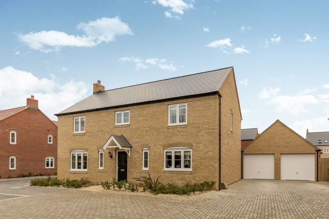 Thumbnail Detached house for sale in Wetherby Road, Bicester, Oxfordshire