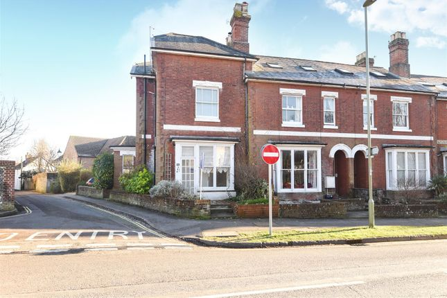 Thumbnail Flat for sale in Worthy Lane, Winchester