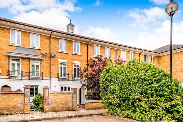 Thumbnail Town house for sale in Courtenay Avenue, Sutton