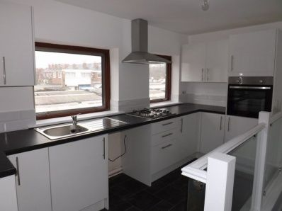 Thumbnail Flat to rent in Market Place, Arnold, Nottingham