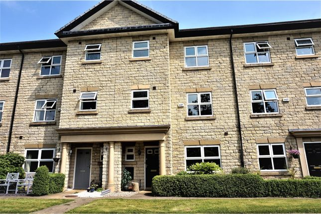 4 bed town house for sale in Beech Drive, Whalley