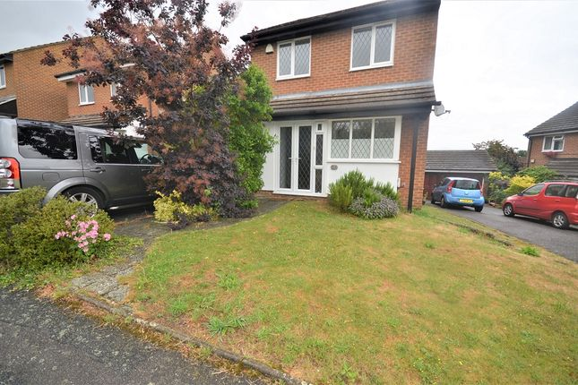 Thumbnail Property to rent in Goldfinch Close, Orpington