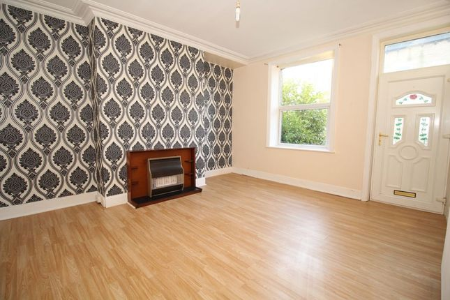 Thumbnail Terraced house to rent in Warley Street, Halifax