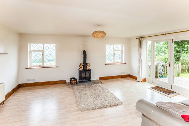 Thumbnail Semi-detached house for sale in Upper Gaukroger, Sowerby Bridge