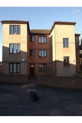 Thumbnail Flat to rent in Wade Mews, Langley Road, Chippenham