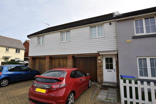 2 bed flat to rent in Roundhouse Crescent, Peacehaven BN10
