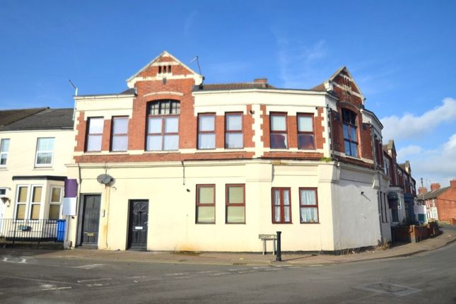 Thumbnail Flat for sale in Bath Road, Kettering
