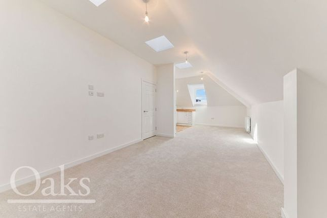 Thumbnail Flat to rent in Outram Road, Addiscombe, Croydon