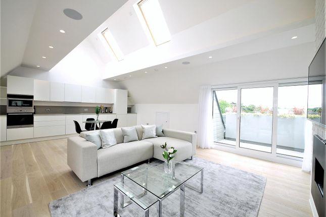 2 bed flat to rent in Ealing Green, Ealing Broadway