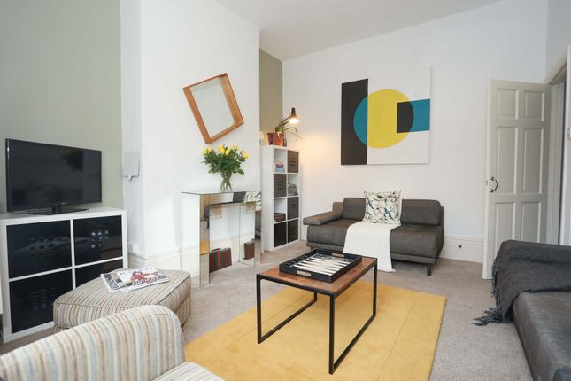 Thumbnail Flat to rent in Peabody Close, Devonshire Drive, London