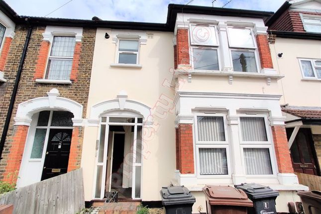 1 bed property to rent in Whalebone Avenue, Chadwell Heath, Romford RM6