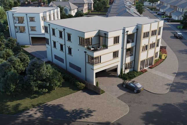 Thumbnail Flat for sale in Chase Road, Epsom