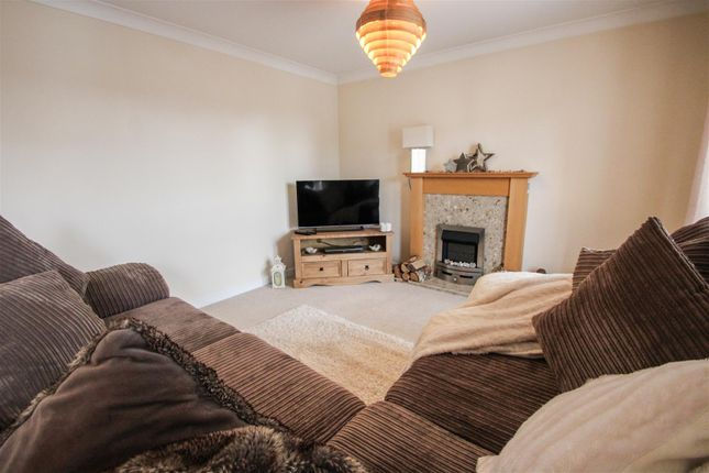 Living of Collum House Road, Scunthorpe DN16
