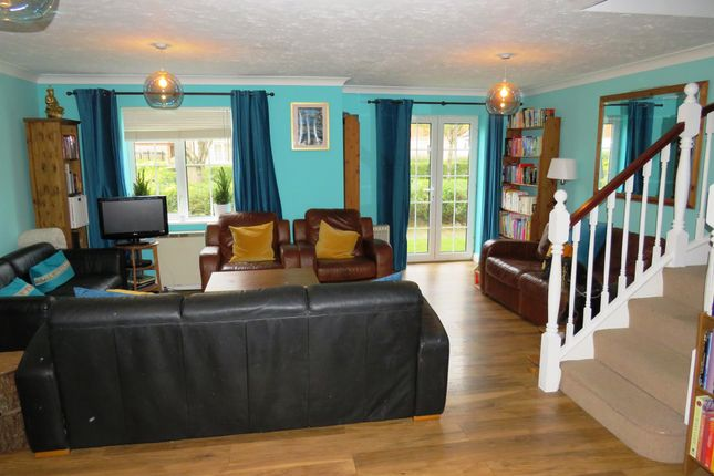 Thumbnail Maisonette for sale in Campbell Drive, Cardiff