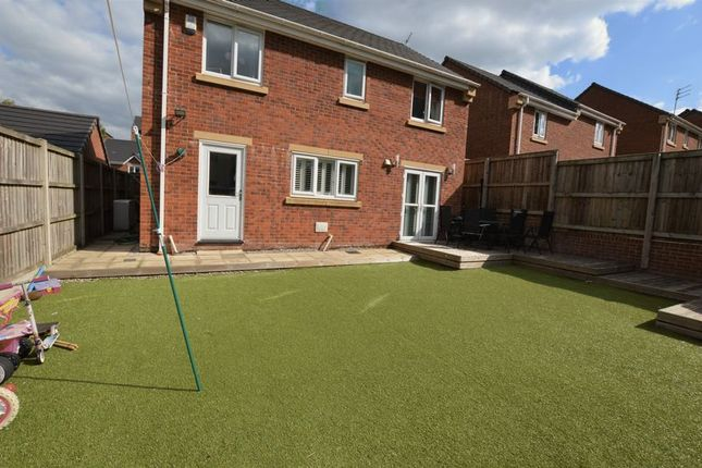 Thumbnail Detached house for sale in Viner Way, Hyde