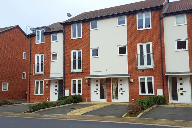 Thumbnail Town house for sale in Larch Way, Stourport-On-Severn