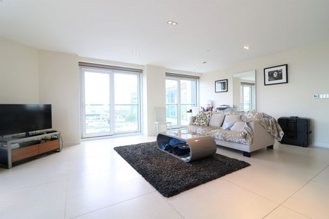 Thumbnail Flat to rent in Bezier Apartments, 91 City Road, Old Street, Shoreditch, London