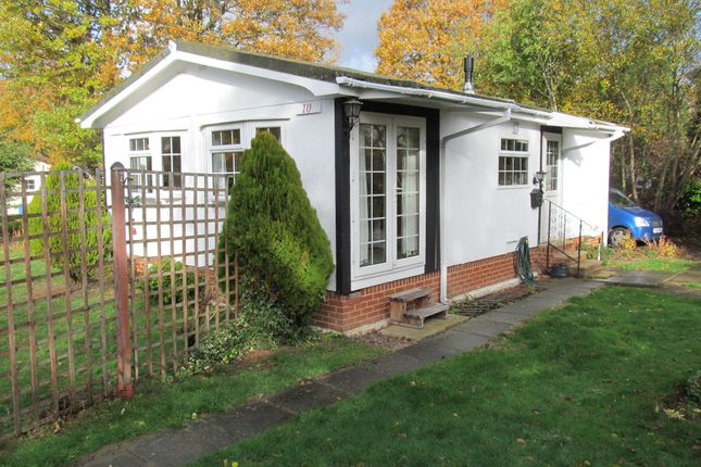Thumbnail Mobile/park home for sale in Forest Way, Warfield Park, Bracknell, Berkshire