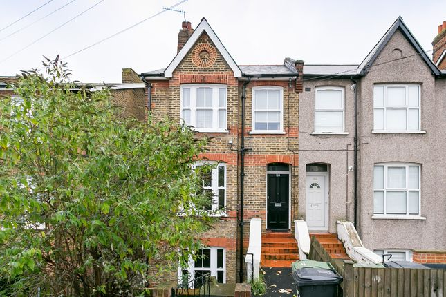 Flat to rent in Sunnyhill Road, London