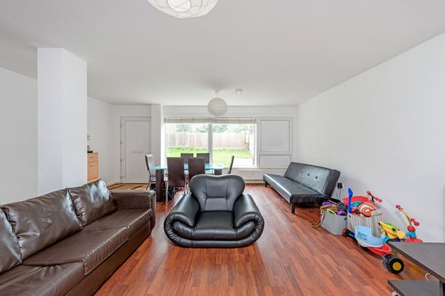 Thumbnail Flat to rent in Elm Grove, Wimbeldon
