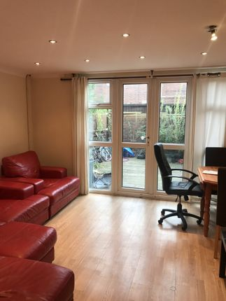 Thumbnail Maisonette for sale in Mowatt Close, Archway