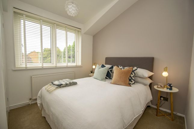 Bedroom of West Chiltern, Woodcote, Reading RG8