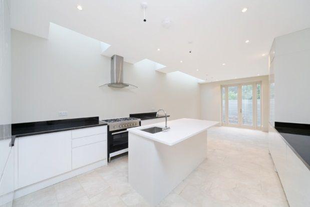 Thumbnail Property to rent in Jubilee Terrace, Burlington Road, Fulham