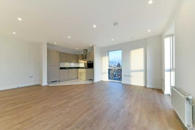 Flat for sale in Vitruvian Court, Ropemakers Wharf, London