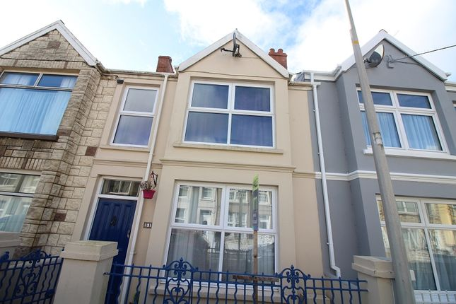 2 bed terraced house for sale in Shakespeare Avenue, Milford Haven, Pembrokeshire.
