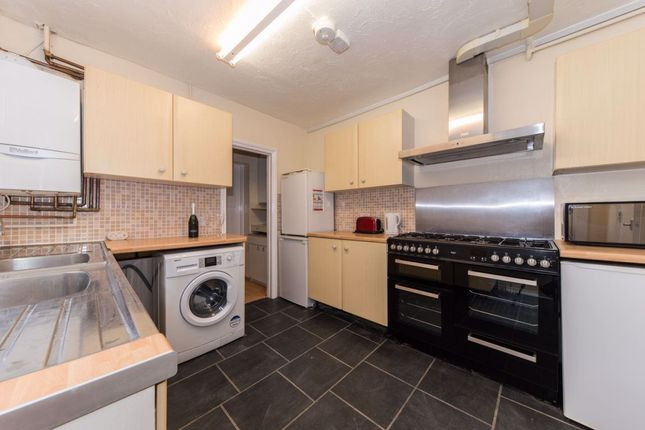 Thumbnail Property to rent in North Holmes Road, Canterbury