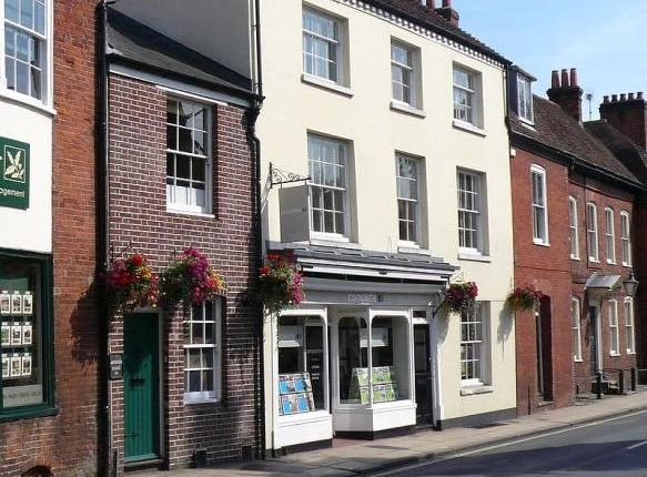 Thumbnail Flat to rent in Southgate Street, Winchester, Hampshire
