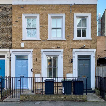 2 bed flat for sale in Harts Lane, Brockley, London SE14