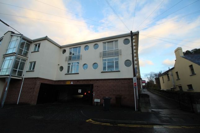 Thumbnail Flat to rent in Holborn Court, Bangor