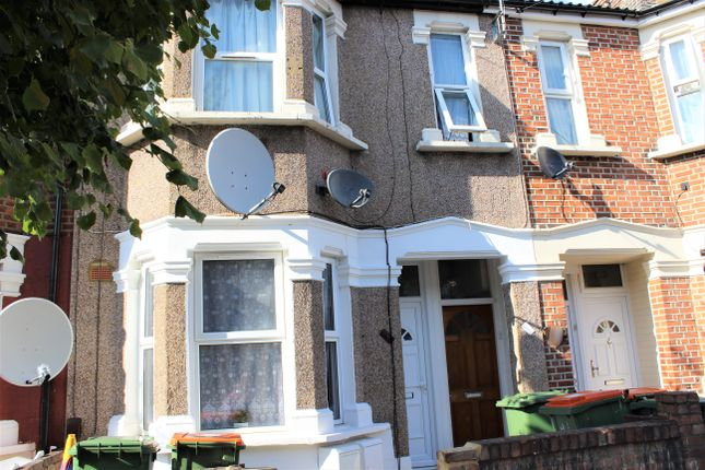 Thumbnail Maisonette for sale in Caulfield Road, East Ham