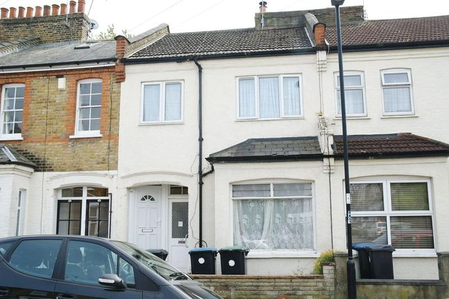 Thumbnail Maisonette for sale in Lea Road, Enfield