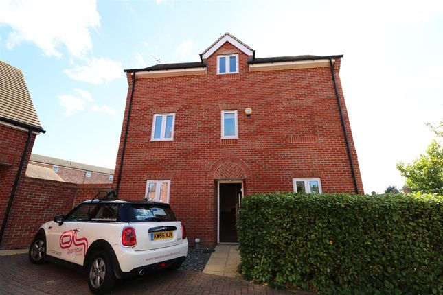 Thumbnail Property to rent in Horace Close, Shortstown, Bedford
