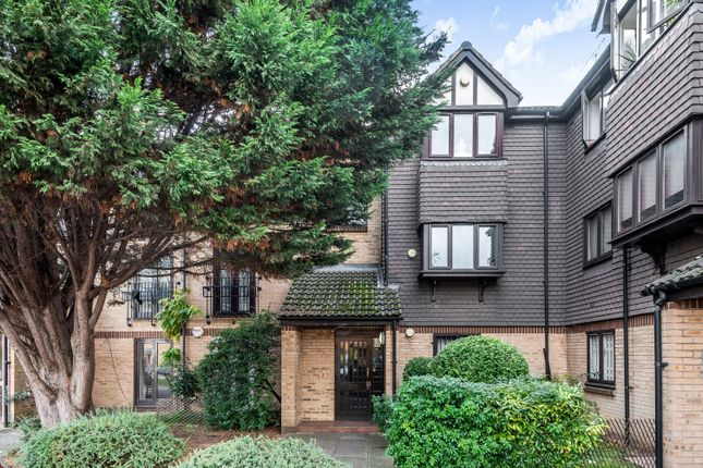 2 bed flat for sale in Southerngate Way, London SE14