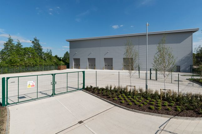 Thumbnail Industrial to let in Unit 21, Suttons Business Park, Reading