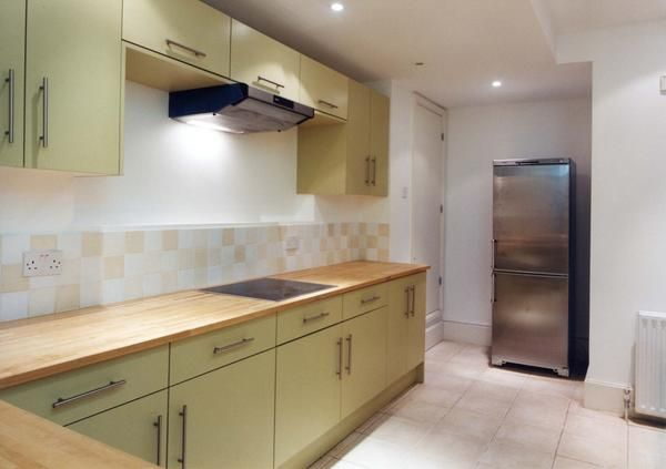 3 bed flat for sale in Craven Hill, London
