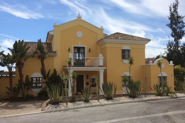Thumbnail Villa for sale in Detached Six Bed Villa With Pool And Gardens, Marbella, Andalucia