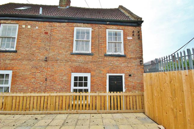 Thumbnail Flat for sale in Ousegate, Selby