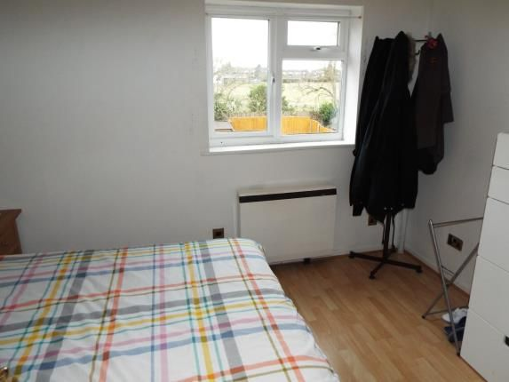 Bedroom One of Chiltern Gardens, Waller Avenue, Luton, Bedfordshire LU4