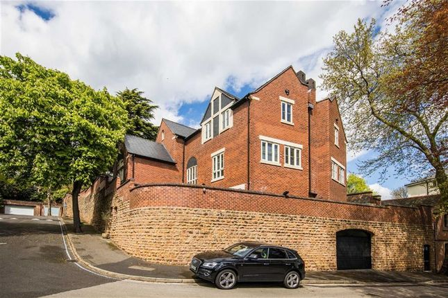 Thumbnail Town house for sale in Hermitage Walk, Nottingham