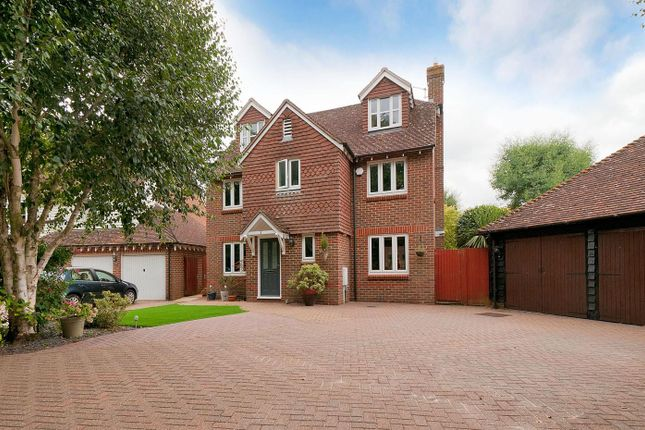 Thumbnail Detached house for sale in Goldings Close, Kings Hill, West Malling