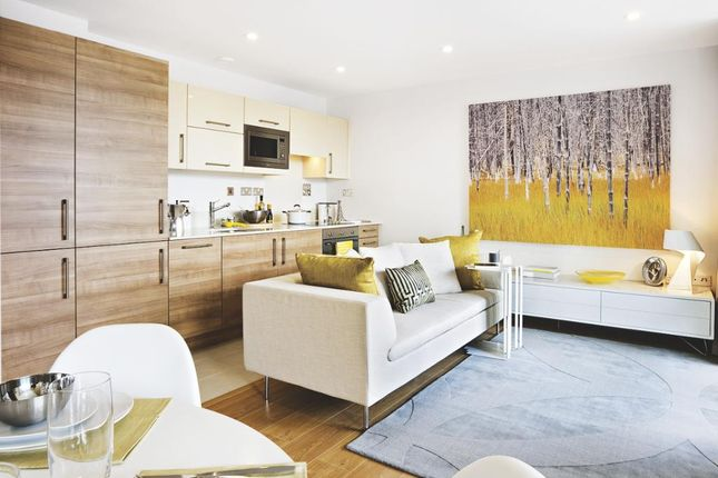 2 bed flat to rent in Longmoore Street SW1V, London,