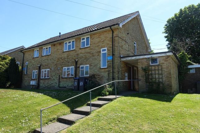 Thumbnail Maisonette to rent in East Grinstead, West Sussex