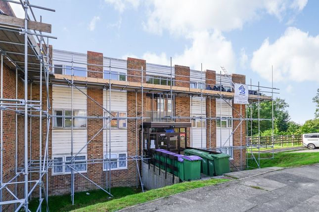 2 bed flat for sale in Holywell Avenue, Folkestone CT19