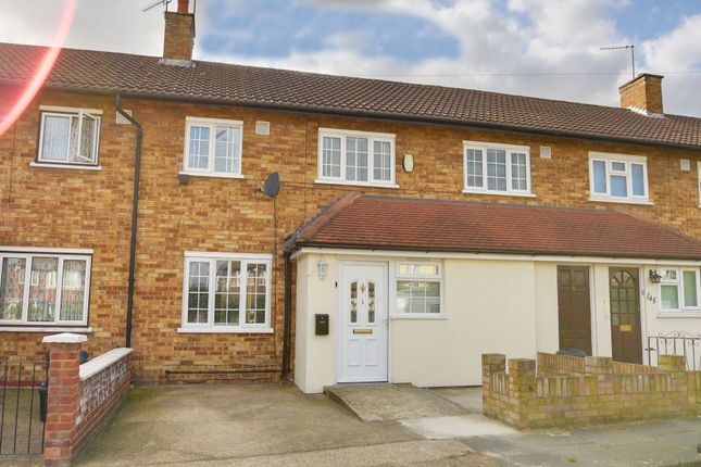 4 bed semi-detached house for sale in Fencepiece Road, Hainault, Essex