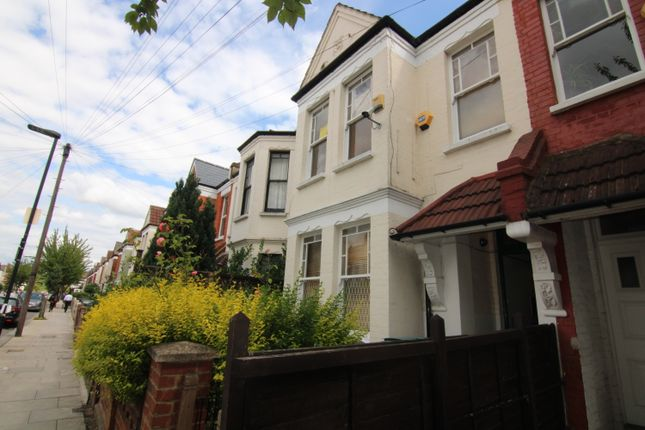 Thumbnail Terraced house to rent in Chesterfield Gardens, Finsbury Park
